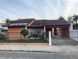 Excelente casa Averbada em região nobre, suíte com hidromassagem + 3 ótimos dormitórios