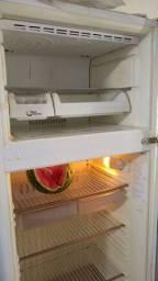 Venda de geladeira usada