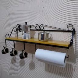 Prateleira Porta papel e Canecas