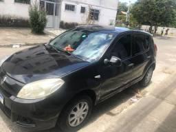 Sandero , 12 mil reais