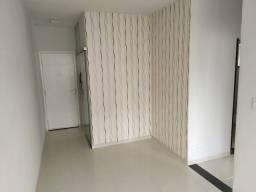 Apartamento 2 quartos em condomínio fechado na Av. Jatuarana, Financiável!