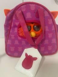 Furby - boneco laranja com bolsa e cama