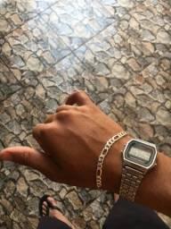 pulseira de prata e relogio casio