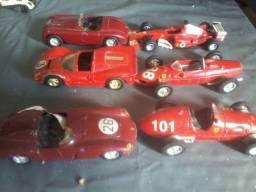 Carrinhos em miniatura de F1