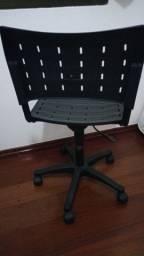 Cadeiras Fixa e Cadeira Diretor