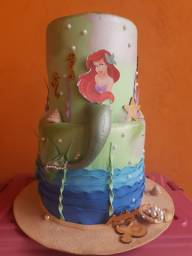 Vendo bolo fake Ariel
