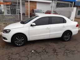 Vende-se Voyage 2014/2015 Motor 1.6 cor branca