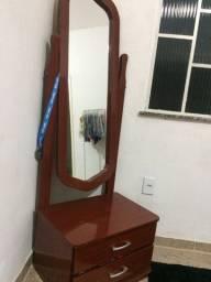 Penteadeira com espelho vertical e 2 gavetas