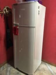 Geladeira Electrolux Super Freezer DC49A