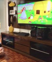 Painel com rack para tv