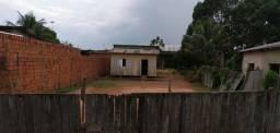 Vendo: terreno com casa de madeira.