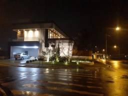 Casa - Condomínio com 3 Garagens à Venda, 580.00 M²