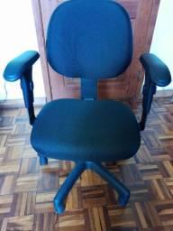 Cadeira de escritório/estudo e trabalho