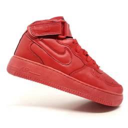 Tênis Nike air force cano médio
