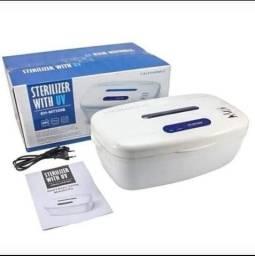 Esterealizador de alicates ou instrumento de dentista através de raios UV