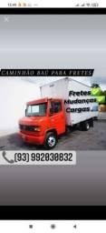 Caminhão disponível para fretes e mudanças