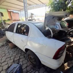 Sucata chevrolet  astra Sedan 2002 1.8 todas as peças disponiveis