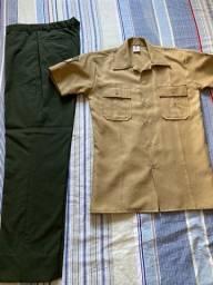 Vendo 8º uniforme EB (camisa bege meia-manga e calça V.O.)
