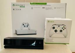 XBox One S  com 2 Controles + Kinect