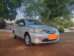 Toyota - Etios - 2013/2013