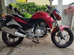 CB 300 2010 Vermelha