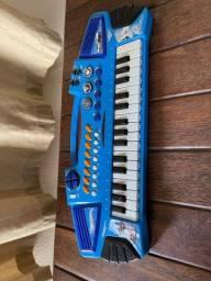 Instrumentos musicais (pilha)