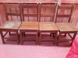 Jogo com 4 cadeiras Leia o anúncio