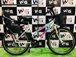 Bicicleta aro 26 c/cadeirinha, modelo único toda personalizada.