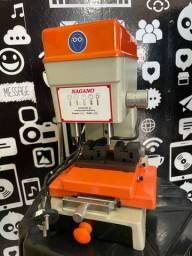 Copiadora de Chaves Pantografica - 220v + Kit De Chaves Virg 150 Uni + Brinde R$ 750,00