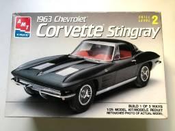 Kit AMT Plastimodelismo - Chevrolet Corvette Stingray - 1963