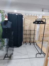 Aluguel de araras de roupas e outros