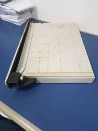 Guilhotina A4 para papel