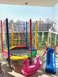 Brinquedos de playground coloridos por 7, 15 e 30 dias em sua casa