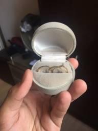 Vendo lindos anéis em ouro