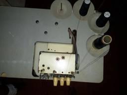 Máquina de costura industrial Bracob BC26003 branca<br><br>