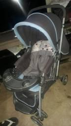 Vendo carrinho de bebê bem conservado apenas 200 R$