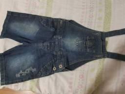 Macacão jeans 3 a 4 anos