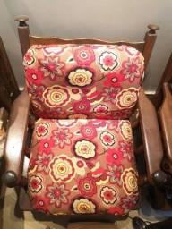Sofá de madeira 4 lugares