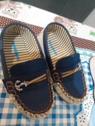 Sapato infantil molequinho + sapato bloompy. tamanho 25 ambos sem marca de uso
