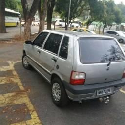 Fiat uno 2005 4 portas
