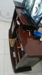 Raque e mesa de computador
