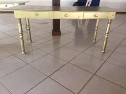 Mesa Provençal Dourada