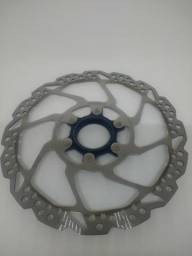 Discos/rotor de freio RT54 Shimano, sendo 1 de 180mm e 1 de 160mm. (Usados)