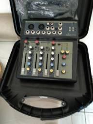 Mesa de som mixer profissional 4 canais Arcano. Nova