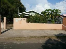 Terreno em itacoatiara com duas casas no centro