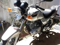 Moto Yes 125 Suzuki - bem conservada - Segundo dono, Doc OK - 2007