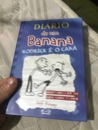 2 livros diário de um banana