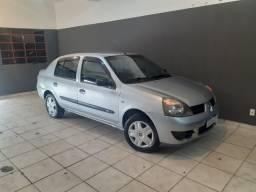 Renault clio sedan! Aceito trocas!