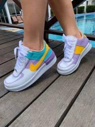 Tênis feminino Air colorido Nike