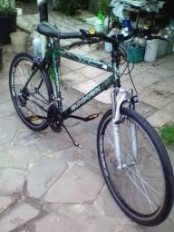 Linda bike com suspensão aro 26 aero 18v pintura original revisada só andar entrego